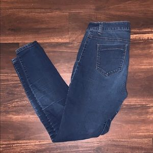 Forever 21 Skinny Jeans in Size 12